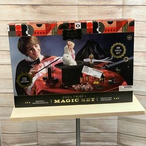 FAO Schwartz Magic Set 39 piece set